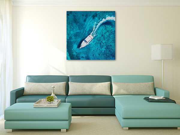 Boat in Clear Water Prints Canvas